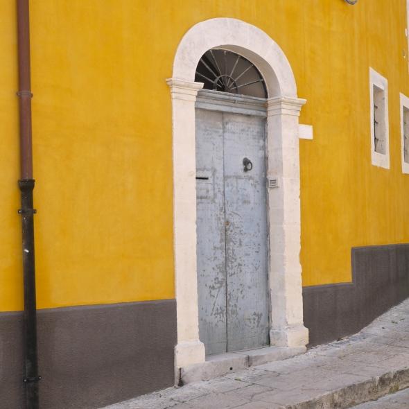 Ochre wall Ragusa